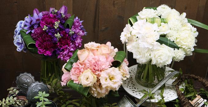 誕生日プレゼントにオススメのかわいいブーケ風花束~毎月変わる誕生石色の花束