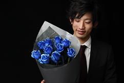 青い煌薔薇の花束