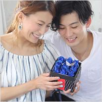 青い煌薔薇のBOXアレンジメント(M)