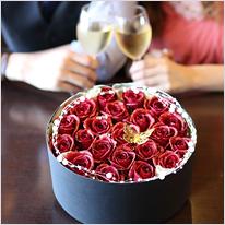 赤い煌薔薇のBOXアレンジメント(L)